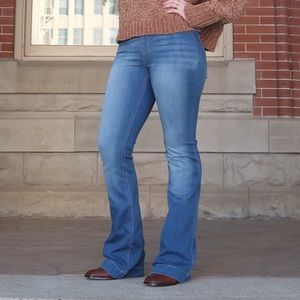 Light Wash Flare Jegging